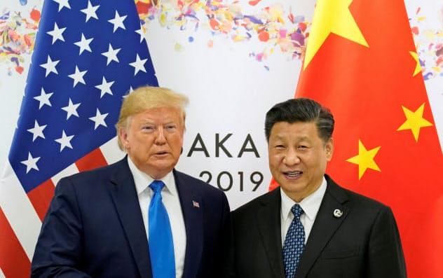 トランプ米大統領(左)と習近平・中国国家主席は通商交渉を再開したばかりだった=ロイター