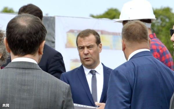 択捉島を訪れたロシアのメドベージェフ首相(2日)