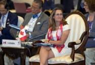 フリーランド外相は中国でのカナダ人の拘束問題について懸念を表明した(2日、バンコク)=ロイター