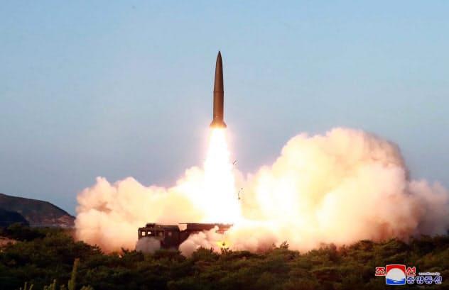 北朝鮮が7月25日に発射した短距離弾道ミサイル=朝鮮中央通信