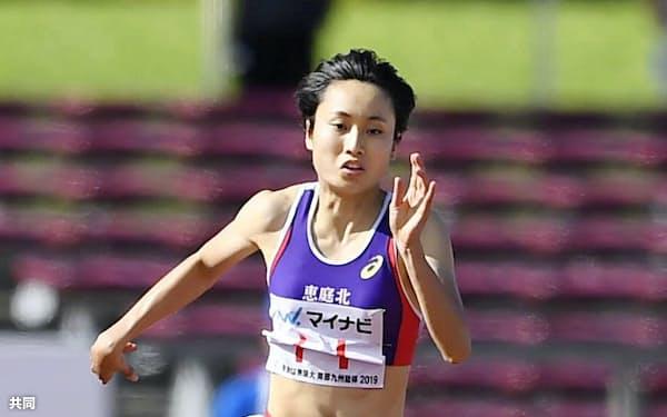 女子100メートル決勝 11秒51で連覇を果たした恵庭北・御家瀬緑(5日、タピック県総ひやごんスタジアム)=共同