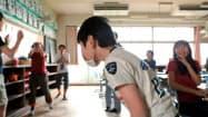 同級生からいじめにあう主人公・光(映画「アマノジャク・思春期」から)=共同
