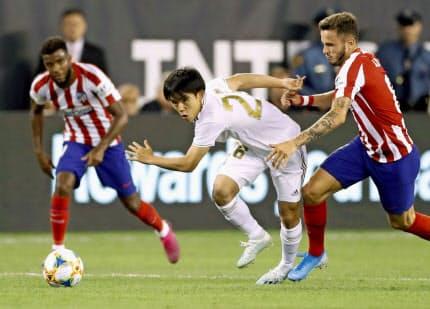 FC東京からレアル・マドリードに移籍した久保建(中央)は既に強化試合にも出場している=共同