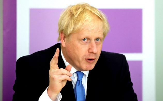 ジョンソン英首相が掲げる減税などの経済政策で、財政支出は拡大しそうだ=ロイター