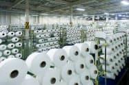 大量の糸の情報をネット管理するため、工場には人が少ない(石川県能美市)