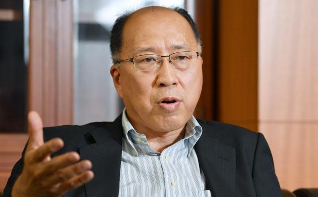遠藤氏は改革の力強さに欠ける地銀があることを問題視。業務改善命令で改革を促すことを視野に入れる