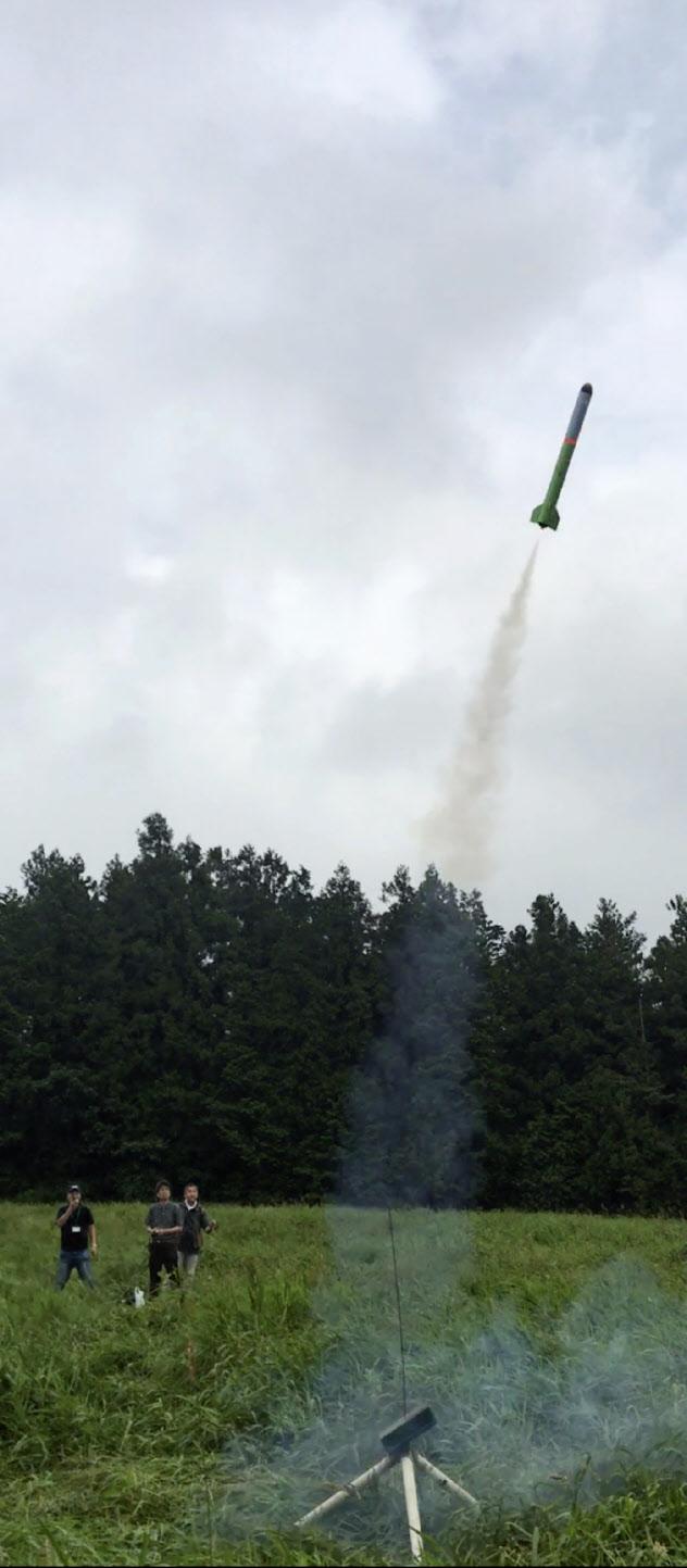 7月末、関係者らが飛行テストを行った