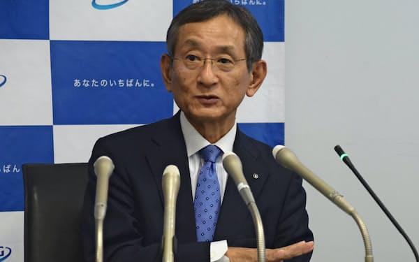 新銀行の概要を話すふくおかフィナンシャルグループの横田浩二取締役