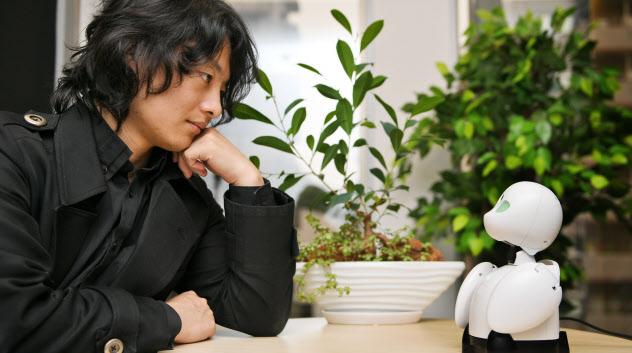 オリィ研究所の吉藤健太朗代表(写真 寺沢将幸)