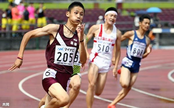 男子200メートル決勝 20秒36(追い風参考)で優勝、短距離2冠を達成した築館・鵜沢飛羽(7日、タピック県総ひやごんスタジアム)=共同