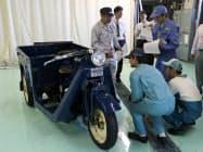 マツダは名車の修復プロジェクトで「GA型マツダ号」を復元する(8日、広島市)
