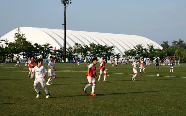 都道府県選抜のサッカー少年がJヴィレッジのピッチを駆け巡った(8月2日)