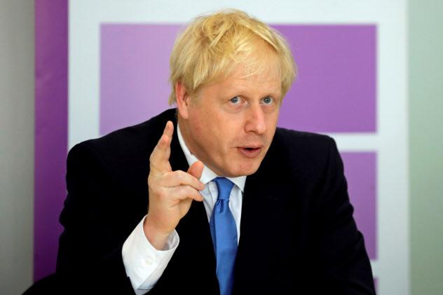 ジョンソン英首相は高度人材の受け入れ拡大を目指す=ロイター