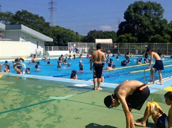 日焼け止めクリームの使用が認められた千葉市の市営プール(千葉市提供)