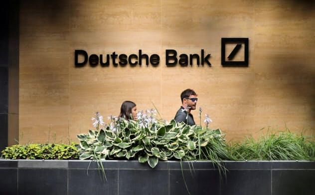 人員削減が予想されるドイツ銀行のロンドン支店=ロイター