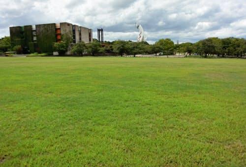 撤去された跡地はコンサートやイベント会場に活用された(吹田市)