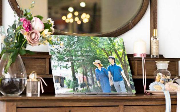 ウォールデコは結婚披露パーティーのウエルカムボードにも使われる