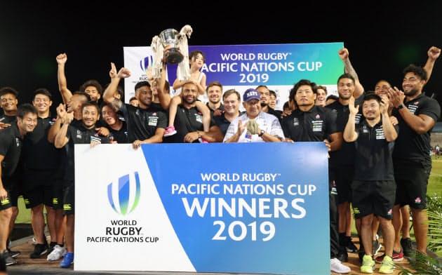 日本はパシフィック・ネーションズカップで優勝。世界ランキングを9位に上げた=中尾悠希撮影