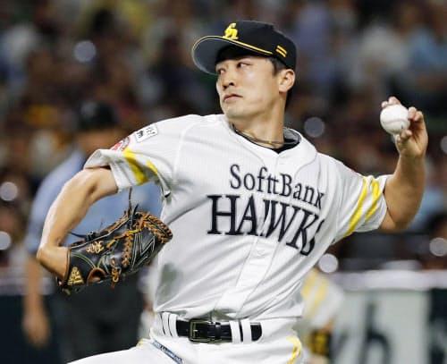 5回を1失点で3勝目を挙げたソフトバンク・和田(12日、ヤフオクドーム)=共同