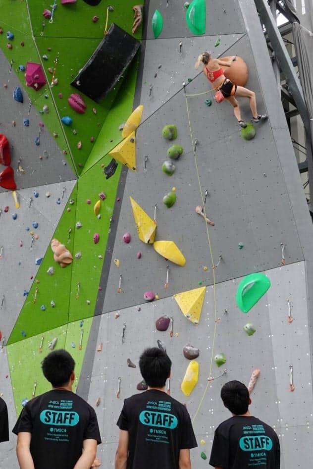 フランス代表選手は世界選手権の調整にセンターを利用した(6日、鳥取県倉吉市)