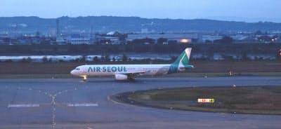 日韓関係の悪化で韓国からの訪日客は減った(エアソウルの航空機)