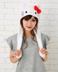 サンリオは「ハローキティ」など人気の6キャラクターの耳が動く帽子を21日に発売する。(C)1976,1989,1996,2001,2005,2019 SANRIO CO.,LTD.