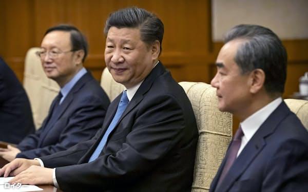 中国の習近平(シー・ジンピン)国家主席(2019年7月5日、北京市)=ロイター