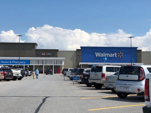 ウォルマートの5~7月期決算はネット通販の売上高が37%増加した(米アーカンソー州の店舗)