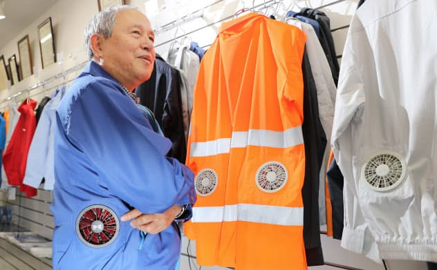 「空調服」の開発者、市ケ谷弘司さん=小園雅之撮影
