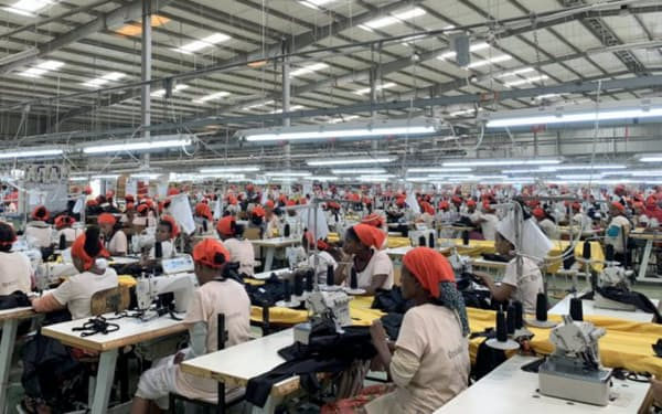 エチオピアの繊維工場の人件費は東南アジアの半分程度と安いのが魅力だ