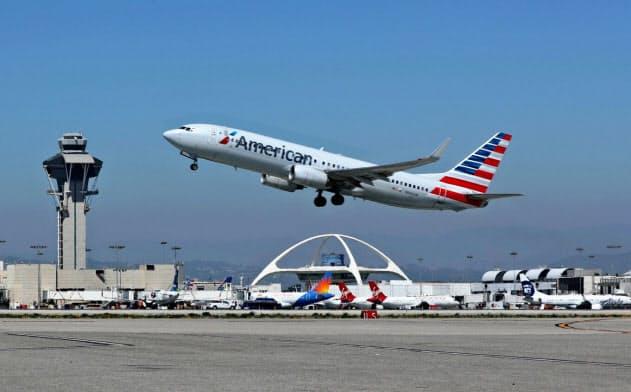 システム障害の影響を受けたロサンゼルス国際空港=ロイター