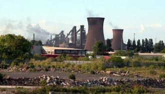 トルコ企業が買収する方向となったブリティッシュ・スチールの英工場=ロイター
