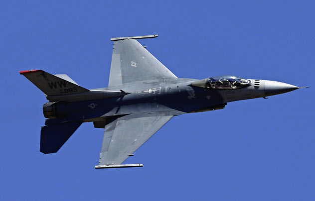 F16戦闘機=ロイター