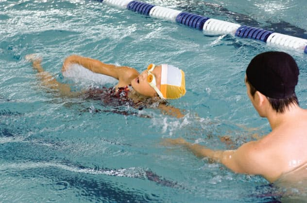 プール授業の受託事業ではコーチの指導も付けられる