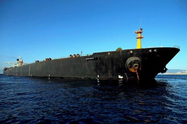 ジブラルタル自治政府が拿捕(だほ)していたイランのタンカー(18日)=ロイター