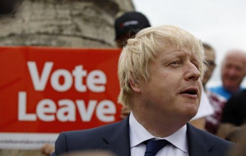ジョンソン氏は国民投票の際、偽情報で英国民を離脱にあおったとしてEU関係者から厳しい目で見られている(写真は当時)=ロイター