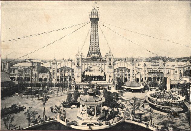 開業して間もない頃の「新世界」。通天閣はパリの凱旋門にエッフェル塔を乗せたようなデザインだった