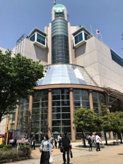 大和は高岡店(富山県高岡市)を閉店後、同じ建物の中にサテライト店を設ける(写真は現行の店舗)