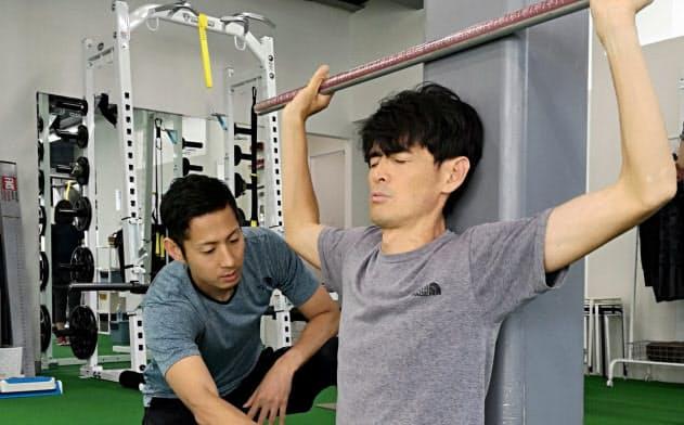 専門家に指導を仰ぎ、体幹と肉体の動きの連動を意識しながらトレーニング
