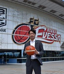「リーグ全体を考えても大阪のチームが強くないと盛り上がらない」と語る