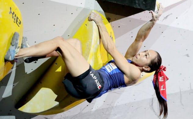 野口「銀」で東京五輪内定 クライミング女子複合