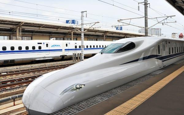 JR東海の新型車両「N700S」は昼間の試験走行を始めた(5日、愛知県安城市)