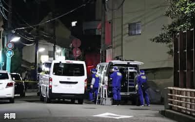 銃撃事件があった神戸市中央区の現場付近(21日夜)=共同