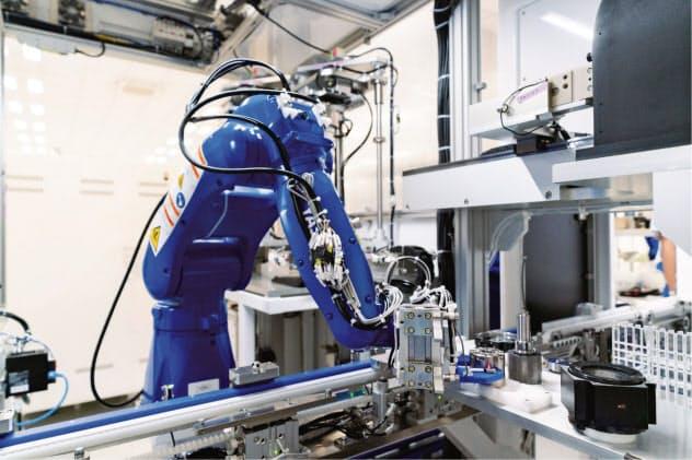安川電機の入間事業所(埼玉県入間市)では約1千個のモーターで工場の稼働を監視する