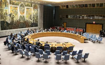 国連の安全保障理事会=国連提供
