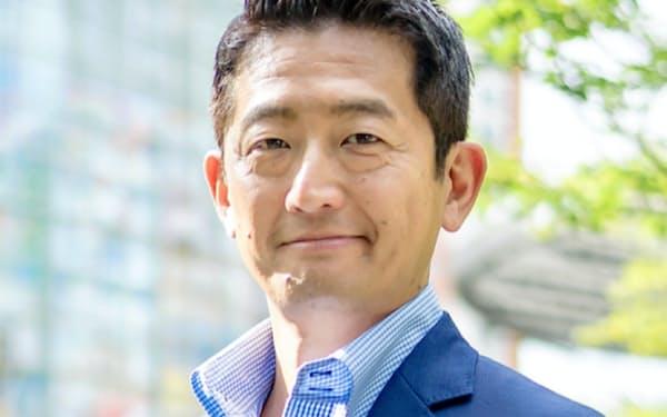 スクラムベンチャーズ代表                                                   日本と米国でスタートアップを複数起業後、ミクシィ・アメリカの最高経営責任者(CEO)を経て、2013年にスクラムベンチャーズを創業。50社超の米国のスタートアップに投資。