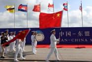 ASEANは2018年に中国海軍と初の合同訓練を実施した(18年10月、中国・広東省)=ロイター