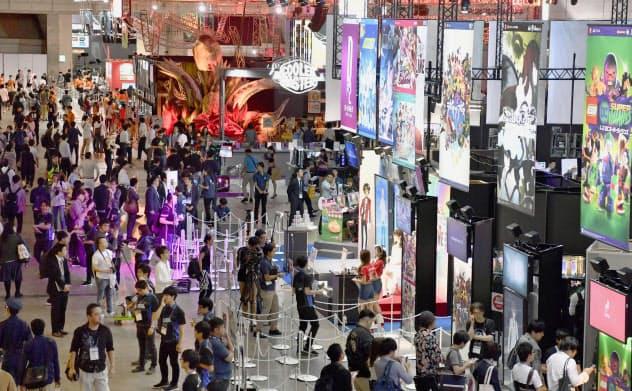 「東京ゲームショウ」は、2020年は五輪・パラの影響を受けない日程・会場を検討中(18年の会場の様子、千葉市)=共同
