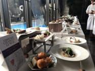 神戸6ホテルの料理長がそれぞれ考案したチャリティーランチコース(22日、神戸市)