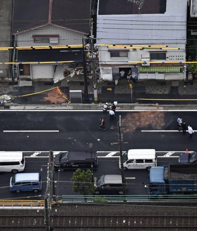 神戸市須磨区の国道2号で起きた事故の現場(23日午前)=共同